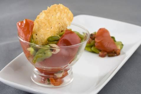 Verrine de fèves et bacon douceur de Savora , duo de poivrons au Ketchup bio - Photo par sabastS