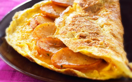 Omelette agrémentée de pommes de terre - Photo par CNPO