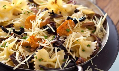 Farfalles aux champignons des bois et Gusto Intenso Giovanni Ferrari - Photo par Quiveutdufromage.com