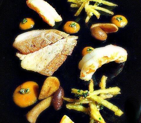 Mer et montagne de mignons et gambas façon empordaise au bouillon de volaille Ariaké - Photo par la francesa aux fourneaux
