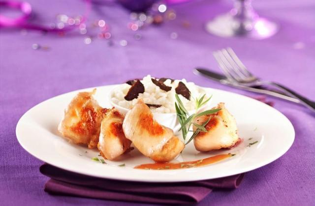 Bouchées de poulet nature, accompagnées d'un risotto à la truffe, sauce façon bisque - Photo par Maître Coq