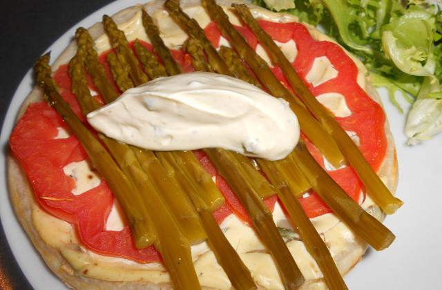 Tarte fine aux asperges et Saint Môret - Photo par Julie F