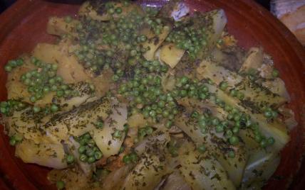 Tajine de poulet aux pomme de terre, fenouil et petits pois - Photo par FadilaB