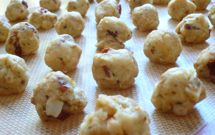 Cookies aux figues séchées, au fromage de chèvre et au thym - Photo par Milartist