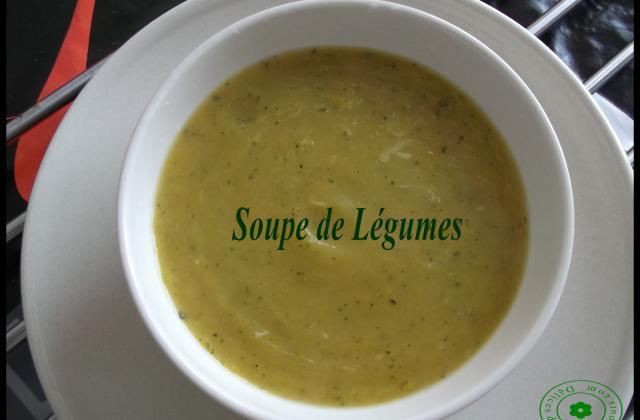 Soupe de légumes classique - Photo par Délices de tous les jours
