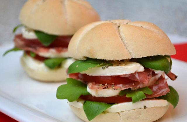 Hamburger façon caprese et coppa - Photo par Invité