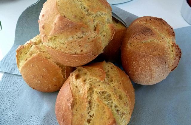 Petites boules de pains au sésame et curcuma - Photo par vision-plaisir