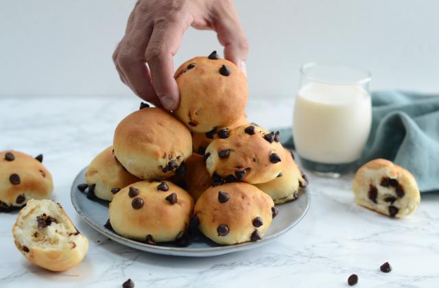 Petites brioches aux pépites de chocolat - Photo par Nadia Paprikas