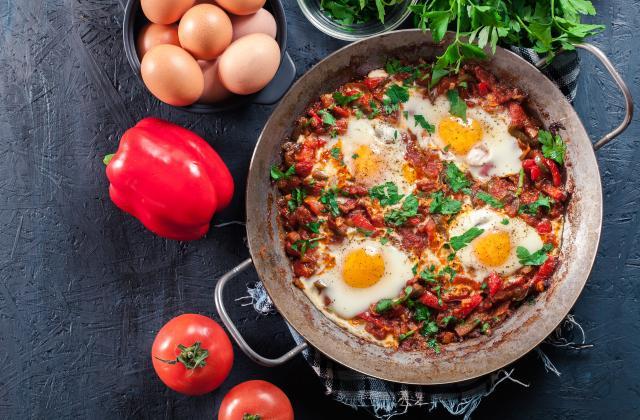 Chakchouka ou Tchakchouka (Poêlée de poivrons grillés et tomates à l'œuf) - Photo par 750g