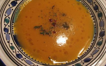 Soupe de lentilles corail facile - Photo par Eat Design