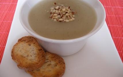 Soupe de topinambours aux croutons mentholés - Photo par ptitelC