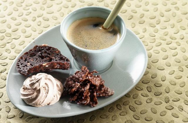 Café gourmand et économique - Photo par Cedus Le sucre