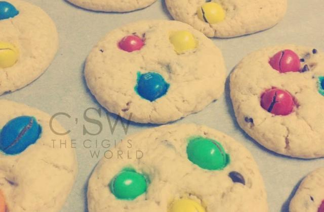 Cookies sans gluten aux pépites de chocolat et m&m's - Photo par Demir
