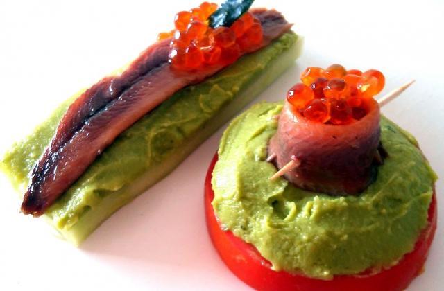 Canapés de concombre et de tomate aux sardines - Photo par malikele