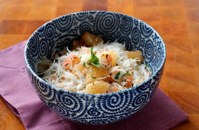 Salade légère au pamplemousse crevettes et vermicelles de riz - Photo par Silvia Santucci