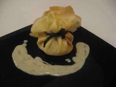 Crêpe poire roquefort et son lien de réglisse - Photo par auvach
