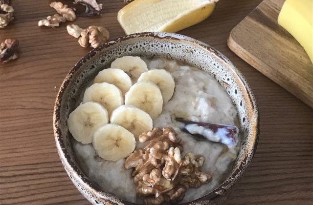 Porridge banane, cannelle et fleur d'oranger - Photo par Catr Ennada