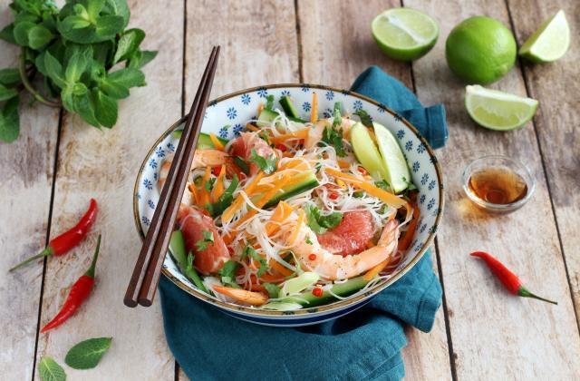 Salade Thaïlandaise aux vermicelles de riz, crevettes et pamplemousse - Photo par Silvia Santucci