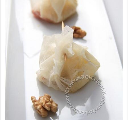 Croustillants de maroilles et noix à la gelée de groseille - Photo par okcebo