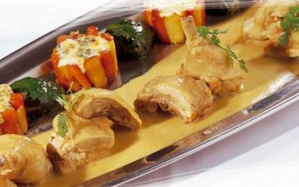 Fricassée de volaille, gâteau de céleri et carotte à la fourme et sa feuille d'épinard farcie - Photo par La Fourme d'Ambert