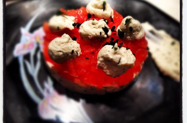 Tartare de tomate et sa mousse de chèvre frais - Photo par AnthonyReg