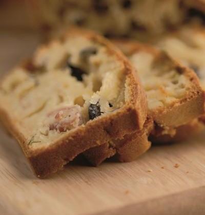 Cake au jambon cru et Valençay AOP - Photo par aop750