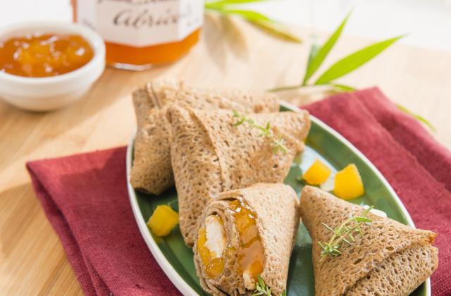 Crêpes façon samossas de poulet à la confiture d'abricots - Photo par Bonne Maman