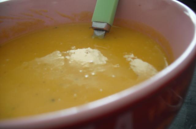Soupe carottes, coco et curry - Photo par cassanJ