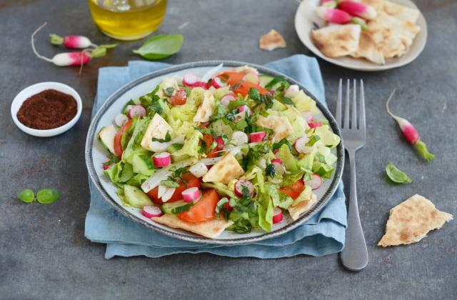 Fattouche, salade libanaise - Photo par Nadia Paprikas