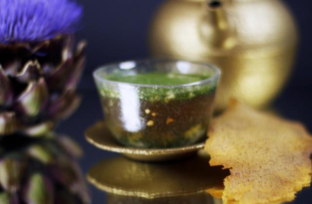 Consommé comme un thé Matcha Gillardeau et Pain Ariake - Photo par uncuisq
