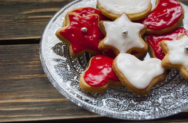 Sablés de Noël décorés - Photo par Nadia Paprikas