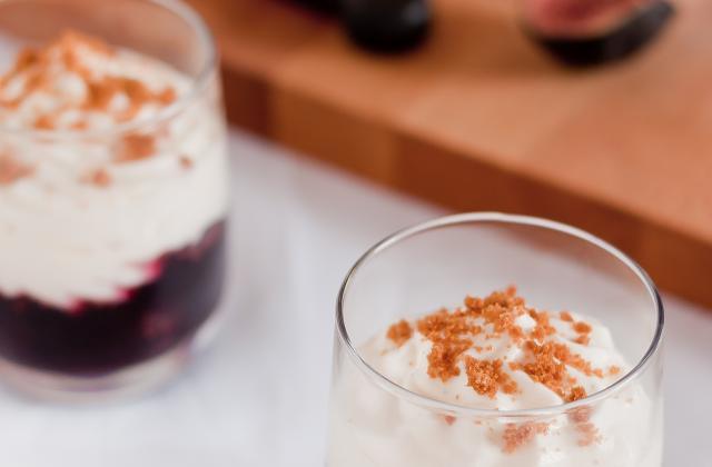 Figues pochées au vin et crème légére au mascarpone - Photo par Marie-Laure du blog : Ça sent beau dans la cuisine
