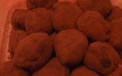 Truffes au chocolat savoureuses - Photo par coulhon