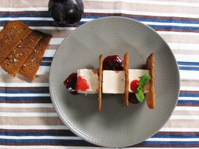 Parfait glacé prunes-caramel - Photo par aoppru