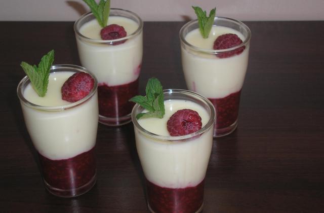Crème au chocolat blanc et framboises - Photo par lebouco