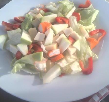 Salade autour du surimi - Photo par Coraya