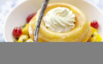 Petits baba au sirop de passion, vanille citronnelle et sa salade de fruits - Photo par Elle & Vire