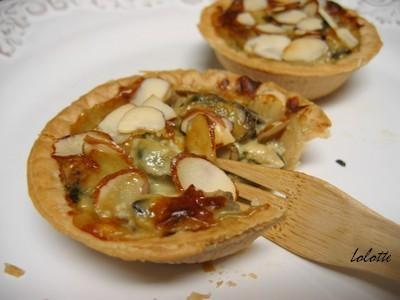 Mini tartelettes aux moules, bleu et amandes - Photo par lolottf