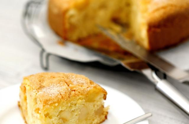 Gâteau au yaourt et aux pommes - Photo par angeliyM