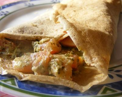 Crêpes de sarrasin au pistou de noix et noisettes et aux tomates - Photo par Sabrin