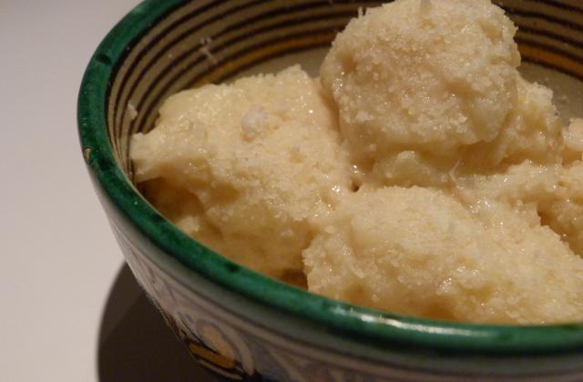 Délicieuses boulettes de pomme de terre - Photo par batier
