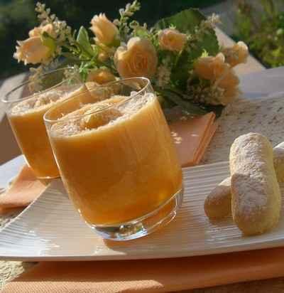 Verrine de melon à la noix de coco - Photo par gourmandelise