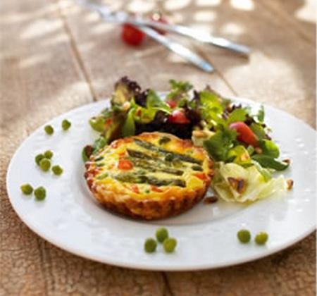 Tartelettes aux petits légumes nouveaux - Photo par Luminarc