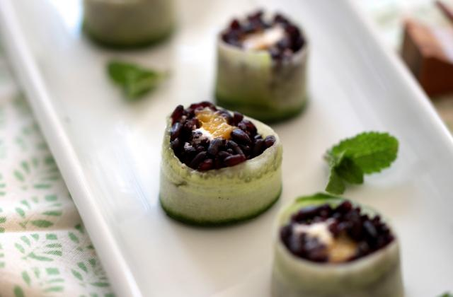 Sushis de riz noir au Caprice des Anges et à la mangue - Photo par Quiveutdufromage.com