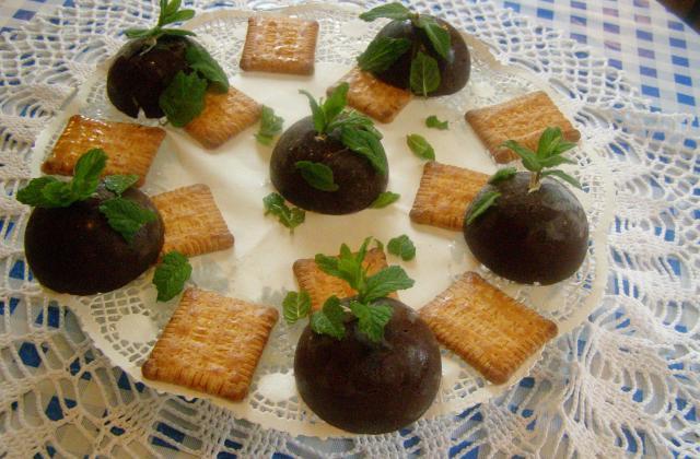 Dômes au chocolat et sorbet au citron - Photo par findv