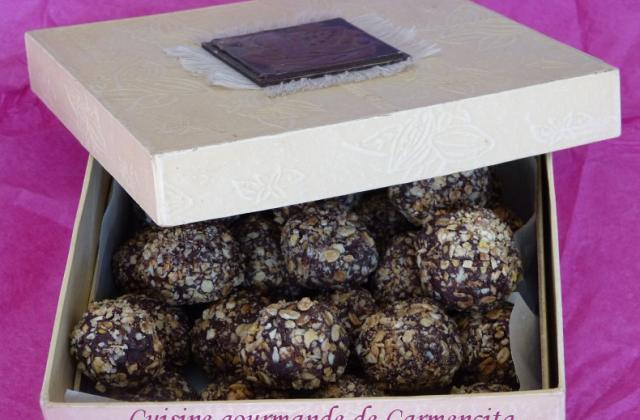 Truffes croustillantes au Muesli et graines sésame - Photo par Carmen