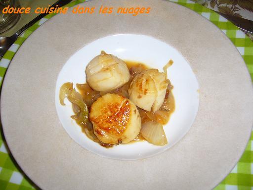 Noix de Saint-Jacques sur fondue d'oignon de Roscoff - Photo par brigitXg