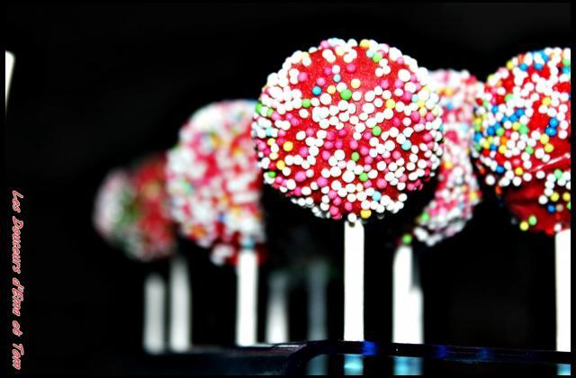 Cake pops façon fondant au chocolat - Photo par Les douceurs d'Ema et Tom