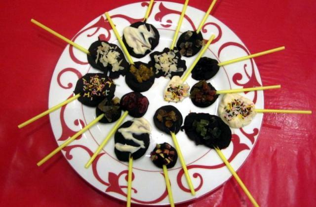 Sucettes au chocolat pour enfants - Photo par stephaWXE