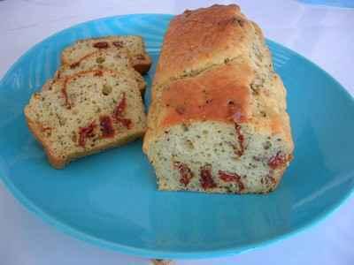 Cake aux tomates séchées - Photo par DeyCuisine